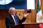 Dr. Molina recibe Premio Corazón de León de la Universidad de Guadalajara