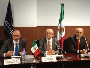 Dr. Belausteguigoitia, Dr. Molina y Dr. Cabrero