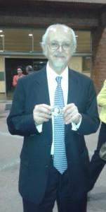 Dr. Molina y medalla