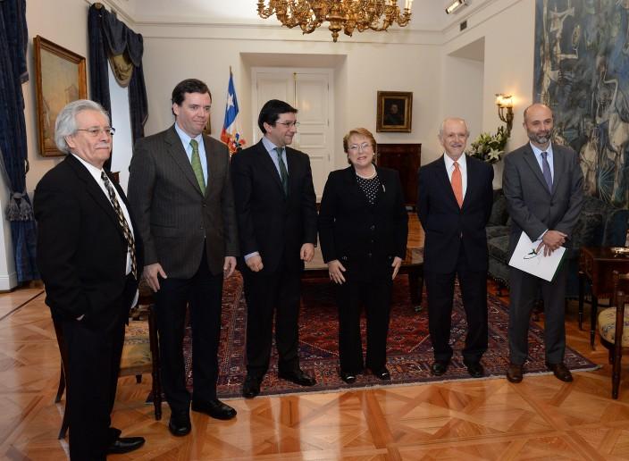 Dr. Molina, Presidenta Bachelet