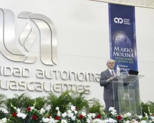 562-Premio-Nobel-Quimica-Mario-Molina-1-525x421