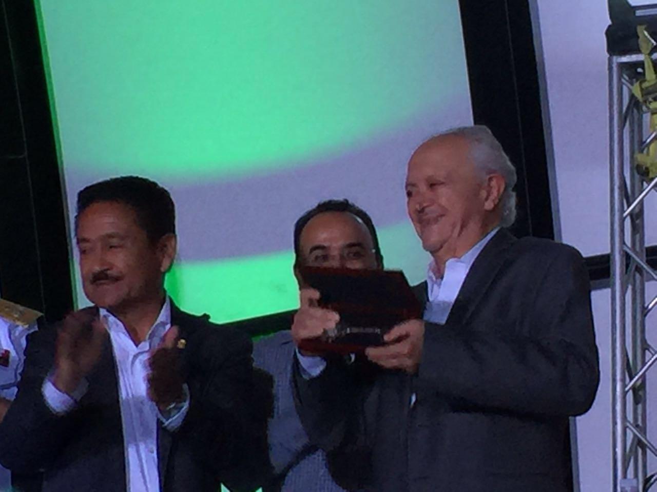 Dr. Molina y Gilberto Hirata