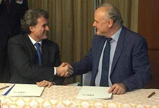 Dr. Barnés y Dr. Jürgen Kropp