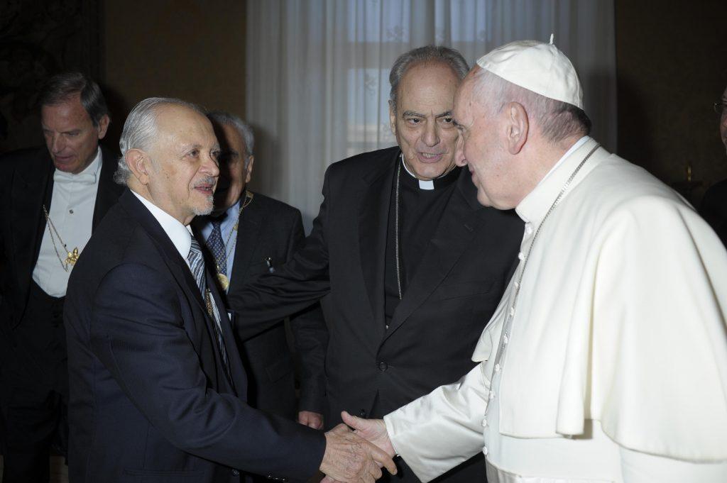 Dr. Mario Molina y Papa Francisco en Vaticano